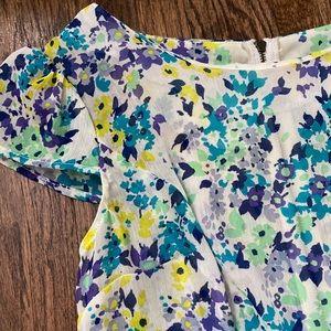 Xhilaration lightweight flowy blouse